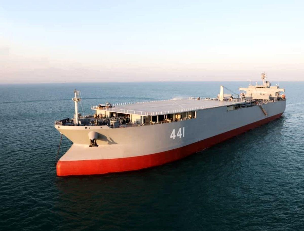 ناو بندر مکران و ناو موشکانداز زره به ناوگان نیروی دریایی ارتش ملحق می شوند
