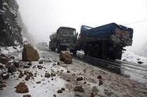 خطر ریزش سنگ در جاده های کوهستانی البرز