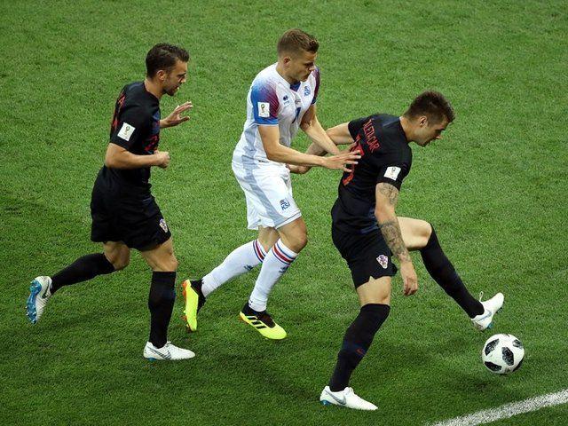 تساوی بدون گل ایسلند و کرواسی در نیمه نخست