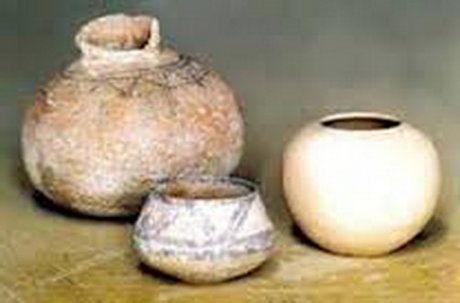 کشف 33 قطعه عتیقه سفالی در اصفهان