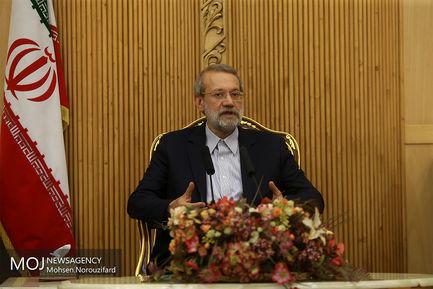 بازگشت علی لاریجانی به تهران