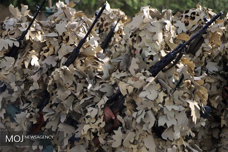 رژه نیروهای مسلح در بندرعباس پایان یافت