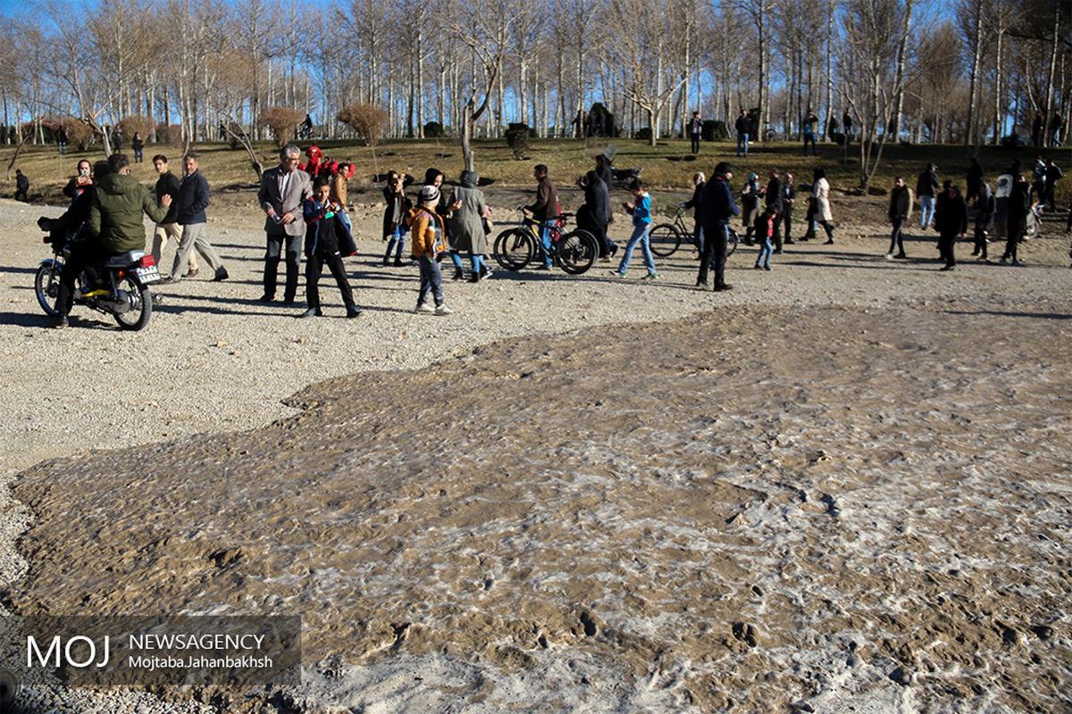 آب در رودخانه زاینده رود جاری شد