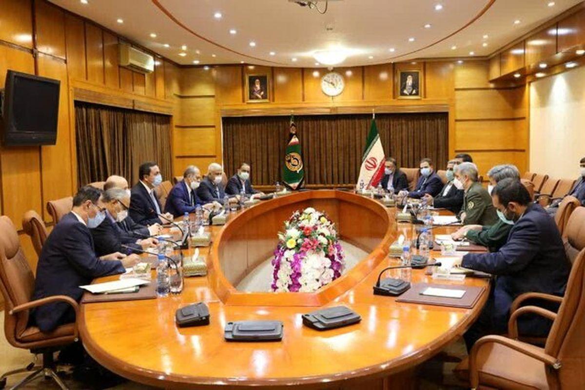 مجموعه های اقتصادی وزارت دفاع آماده همکاری در بازسازی سوریه است