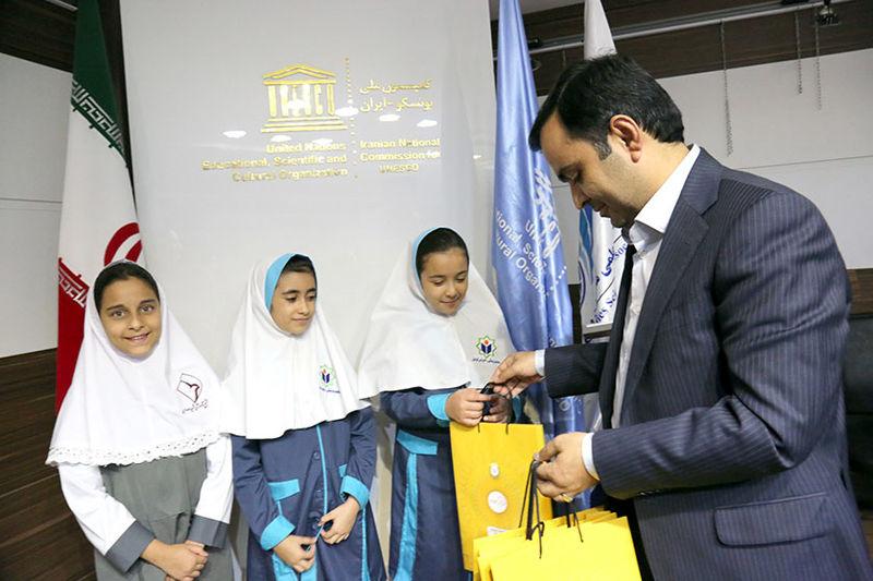 حمایت کانون جوانه های بانک ملی ایران از جشنواره نقاشی زیر چتر صلح