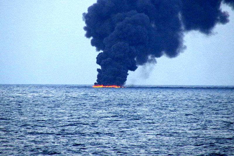 68 دقیقه پر استرس در کشتی سانچی/تغییر مسیر کشتی کریستال علت اصلی سانحه سانچی
