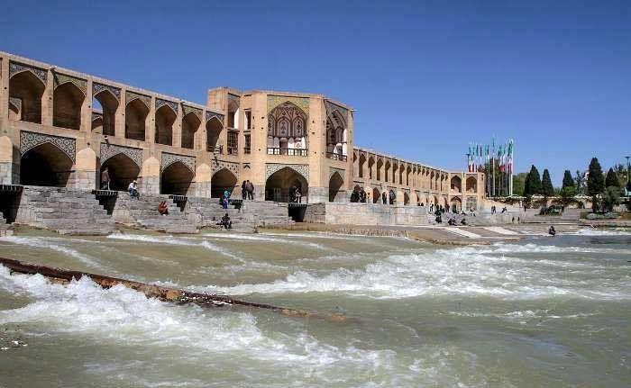 افزایش خروجی سد زاینده رود برای کشت بهاره