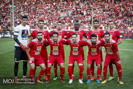 دیدار تیم های فوتبال استقلال و پرسپولیس