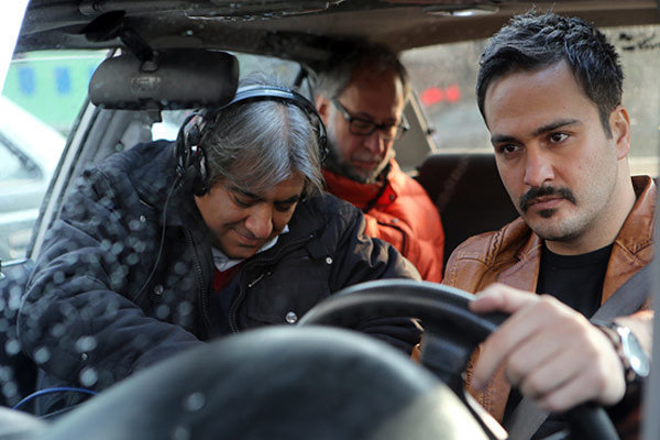اکران فیلم سینمایی غیرمجاز از چهارشنبه