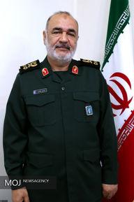 اعطای درجه سرلشکری به فرمانده جدید کل سپاه