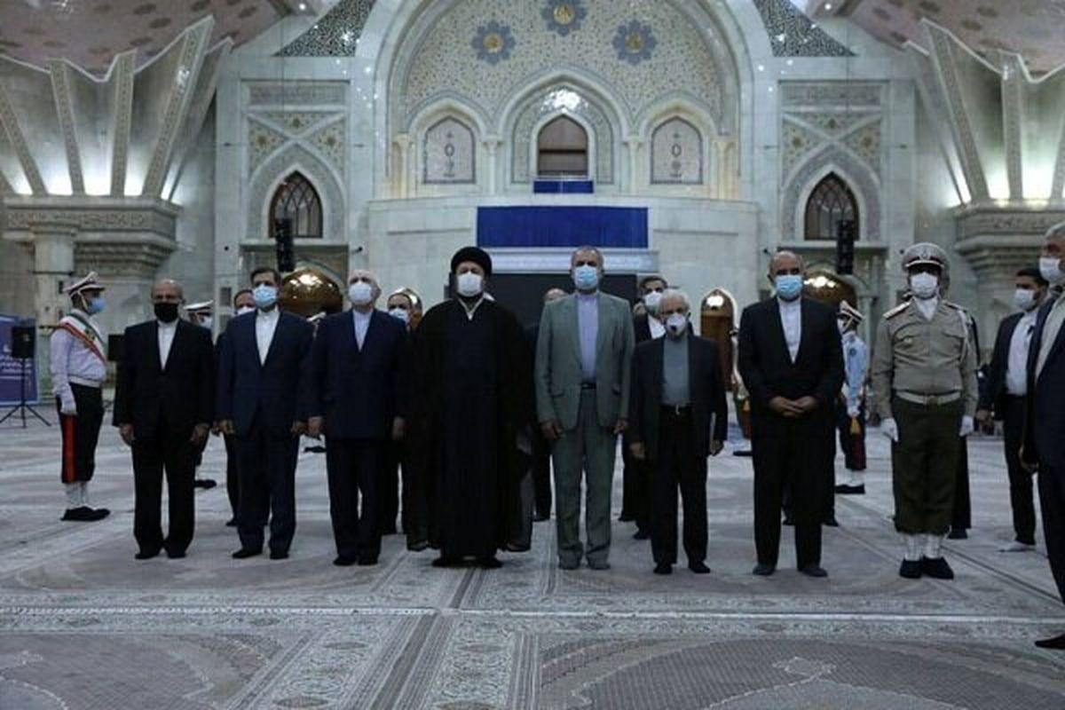 ظریف و مدیران وزارت خارجه با آرمانهای امام راحل تجدید میثاق کردند