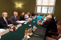ظریف با وزیر امور خارجه فنلاند دیدار کرد