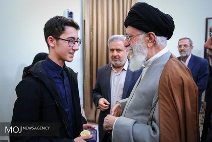 دیدار آرین غلامی نوجوان شطرنجباز با مقام معظم رهبری