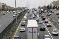 ترافیک در محورهای هراز و کندوان سنگین است/ لغزندگی محورهای استان مازندران