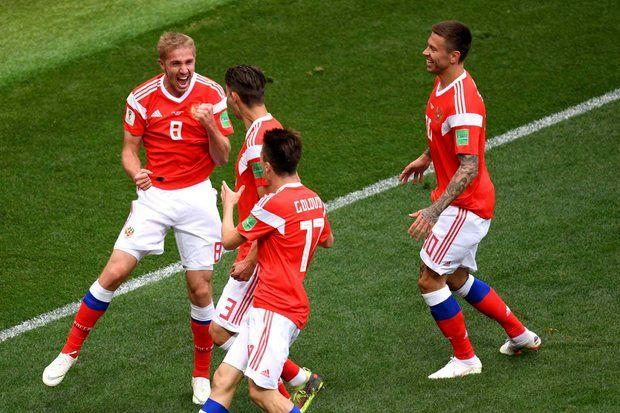 روسیه گل چهارم را به عربستان زد/ دنیس چریشف گل دوم خود را به عربستان زد