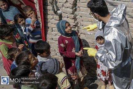 غربالگری+و+ضد+عفونی+جمعیت+هلال+احمر+در+روستاهای+اطراف+تهران
