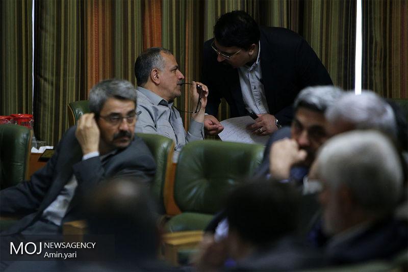 حواشی رای گیری در زمان انتخاب کاندیدای نهایی شهرداری تهران