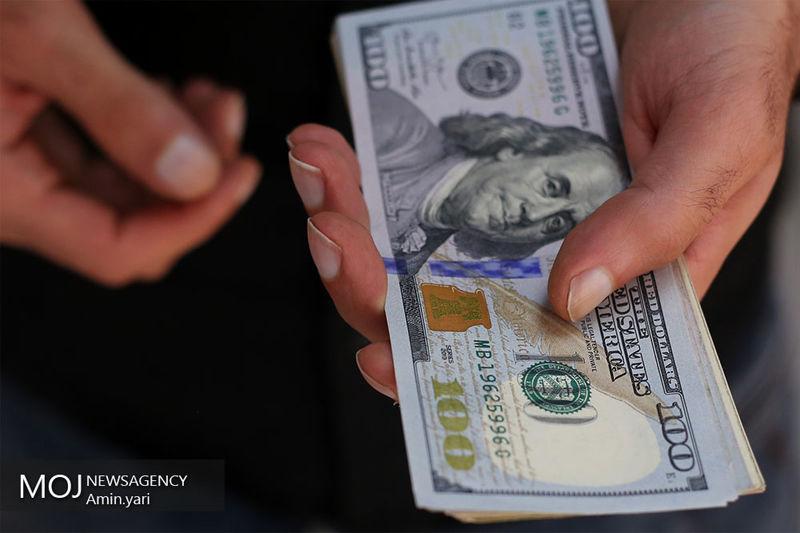 قیمت ارز در بازار آزاد 1 مهر 97/  قیمت دلار 14 هزار و 574 تومان شد