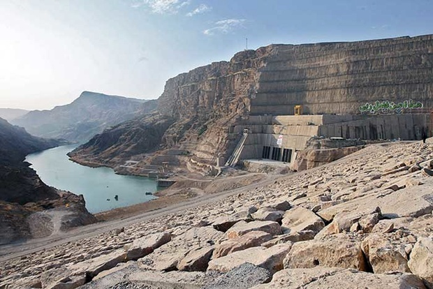 شرایط بی آبی خوزستان نیروگاههای برق آبی استان را دچار مشکل می کند