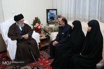 حضور مقام معظم رهبری در منزل شهید بایرامی از شهدای ناجا
