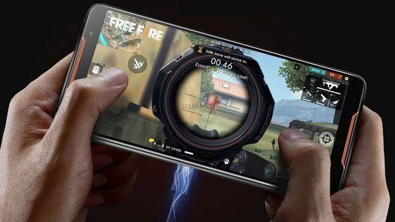 موبایلی با دستگاه خنک کننده برای بازی های رایانه ای
