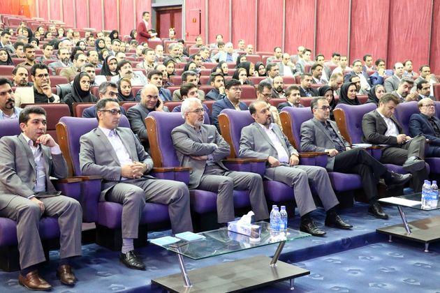 همایش سراسری نمایندگان بیمه دی برگزار شد