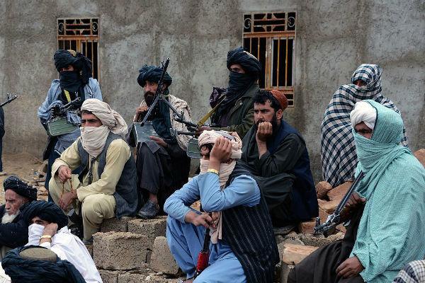 برگزاری نشست ۳ جانبه دولت افغانستان، آمریکا و طالبان