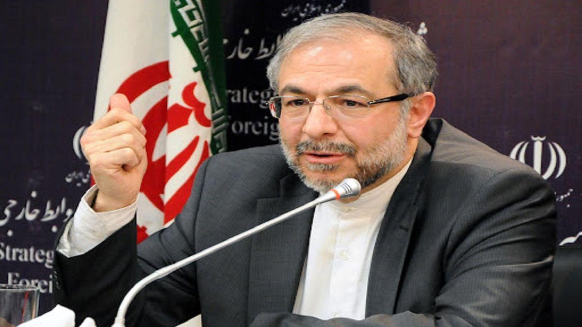 واکنش موسوی به تصاویر سقوط مردم افغانستان از هواپیما بر روی تیشرتهای آمریکایی