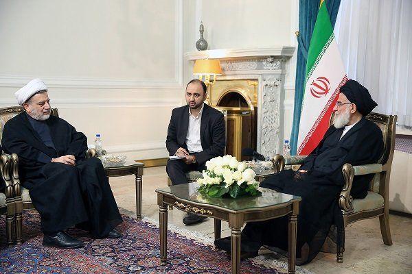وحدت میان نیروها و گروههای اسلامی عراق مهم است