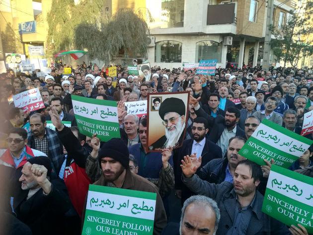 مردم نجفآباد برای محکوم کردن اغتشاشات راهپیمایی میکنند
