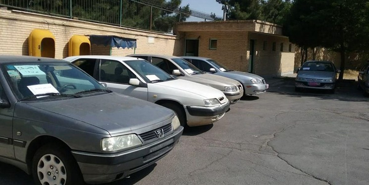 ۷ دستگاه خودروی سرقتی از مخفیگاه یک سارق حرفهای کشف شد