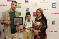 گل نساء جوایز جشنوارههای بینالمللی فیلم کازان و سالنتو را نصیب خود کرد