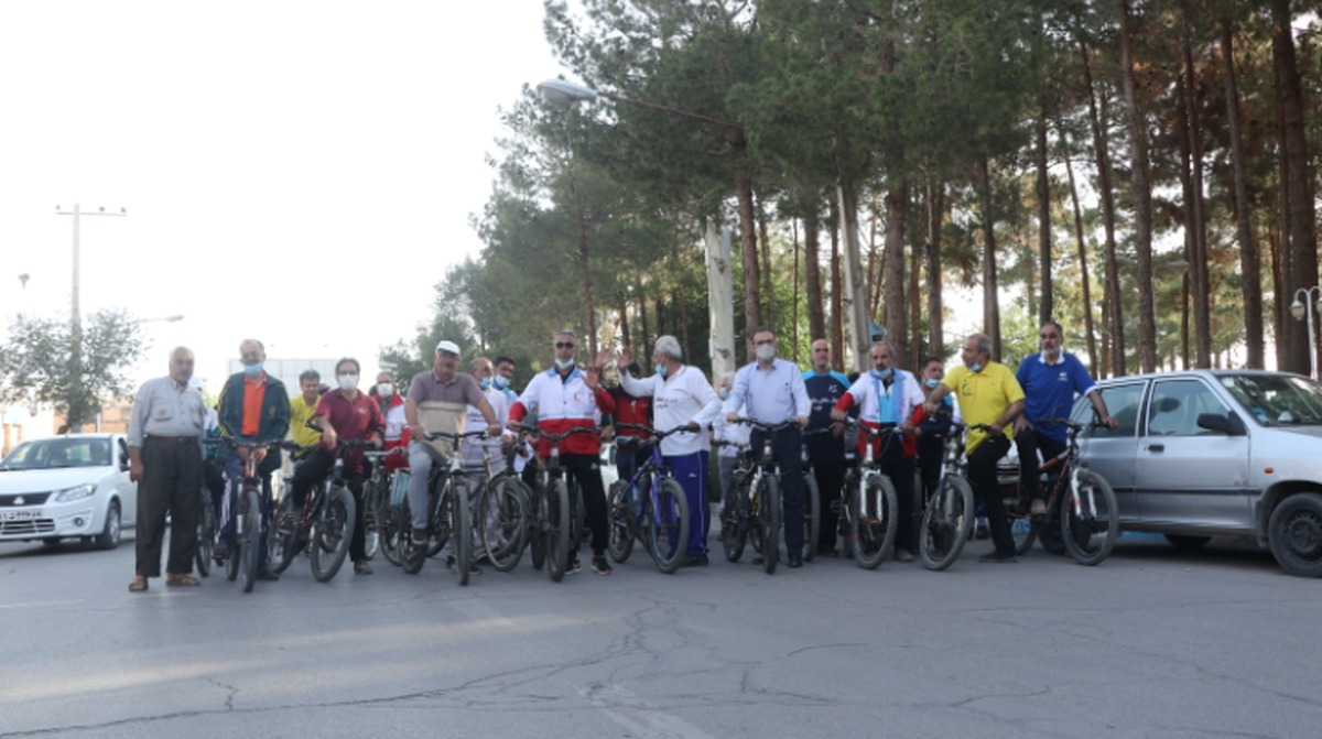 گردهمایی دوچرخه سواری هواداران بافت تاریخی میبد برگزار شد