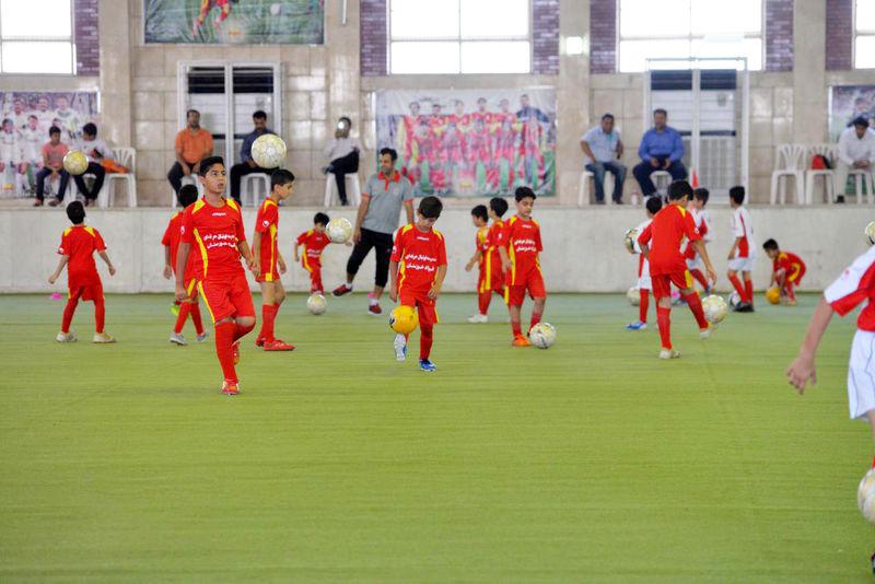 لزوم همگانی کردن تمام رشتههای ورزشی به خصوص در روستاها