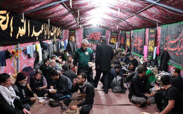 روزانه 4000 نفر در موکب های امامزادگان کاشان در کربلا اسکان داده می شوند