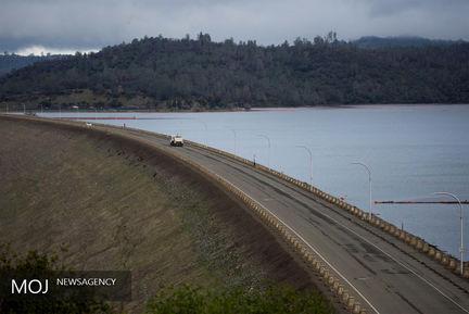 تخلیه مناطق اطراف سد اوروویل در ایالت کالیفرنیا آمریکا