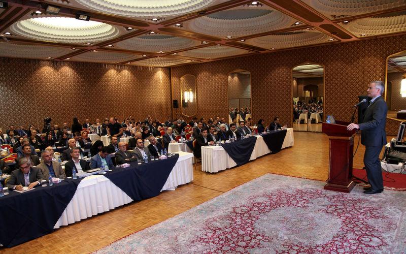 ذوب آهن اصفهان به صادرات یک میلیون و 300 هزار تن دست پیدا می کند