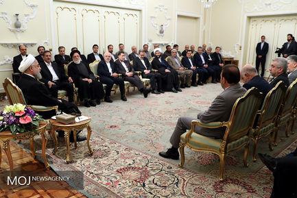 دیدار نوروزی جمعی از کارگزاران نظام با رییس جمهوری