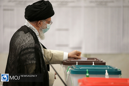 شرکت مقام معظم رهبری در انتخابات ریاست جمهوری و شورای شهر