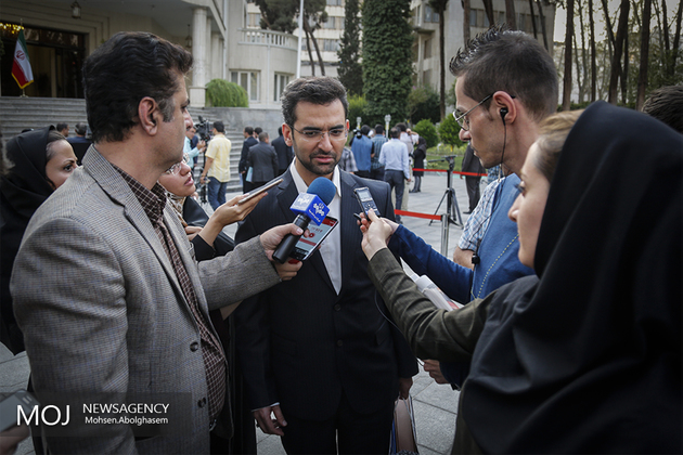 وزیر ارتباطات با ٧ وزیر اسبق این وزارتخانه رایزنی کرد