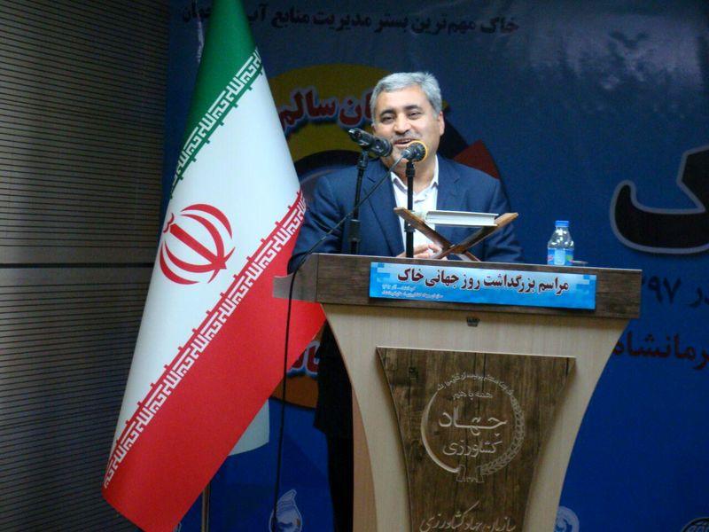 جنگلها و خاک ایران در حال نابودی است/ حفاظت از خاک حتی از آب هم مهمتر است