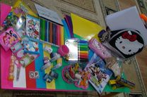 توزیع 1061 بسته لوازم التحریر بین دانش آموزان مستعد در خمینی شهر