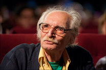 امروز؛ جشن ۷۷ سالگی محمود دولت آبادی در تئاترشهر