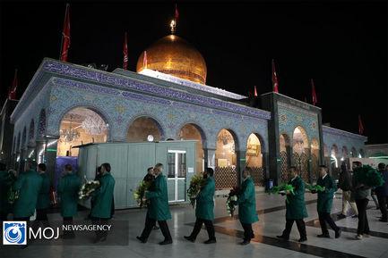گل آرایی حرم حضرت زینب کبری (س) توسط خادمان ایرانی