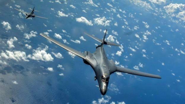 پرواز بمبافکنهای راهبردی آمریکا بر فراز دریای چین جنوبی
