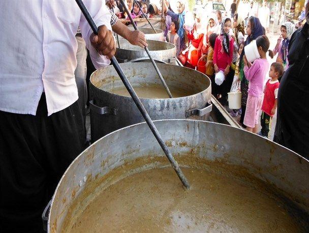 توزیع 20 تن غذای نذری در کاشان