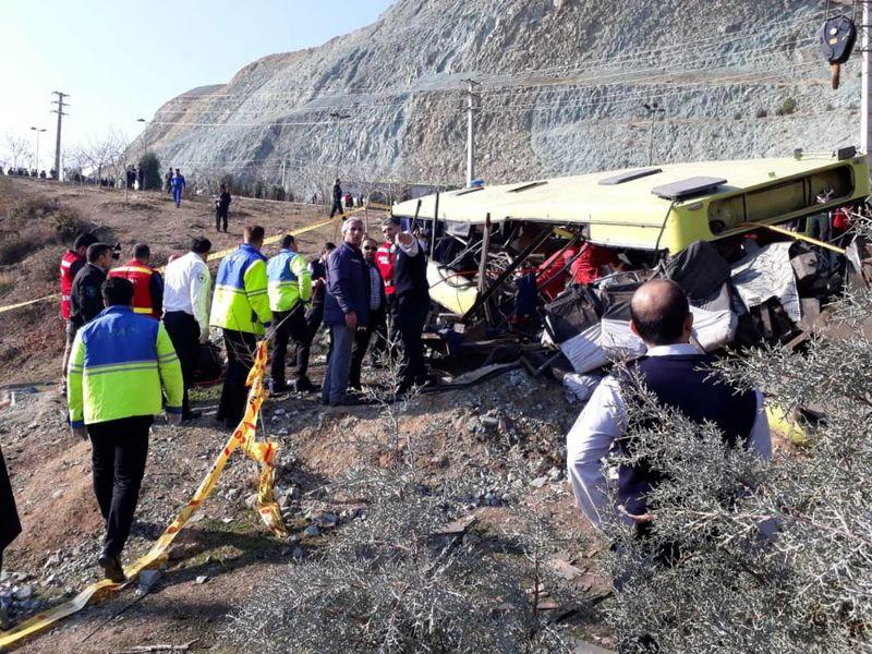 تاکید رییس دانشگاه آزاد بر برخورد قاطع با مقصران حادثه واژگونی اتوبوس دانشجویان