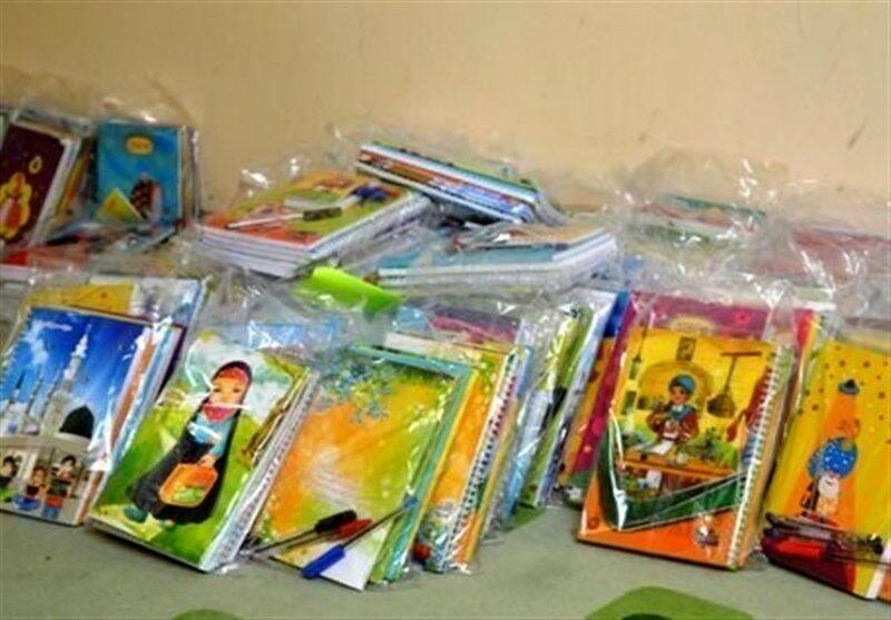 توزیع 114 بسته مهر تحصیلی در کاشان
