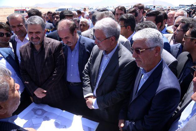 کلنگ ساخت بیمارستان ۳۲۰ تختخوابی تأمین اجتماعی شیراز، به زمین زده شد
