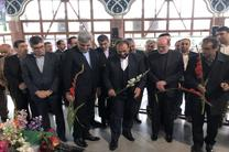 ادای احترام معاون پارلمانی رئیس جمهور و استاندار گیلان به مقام شامخ شهدا
